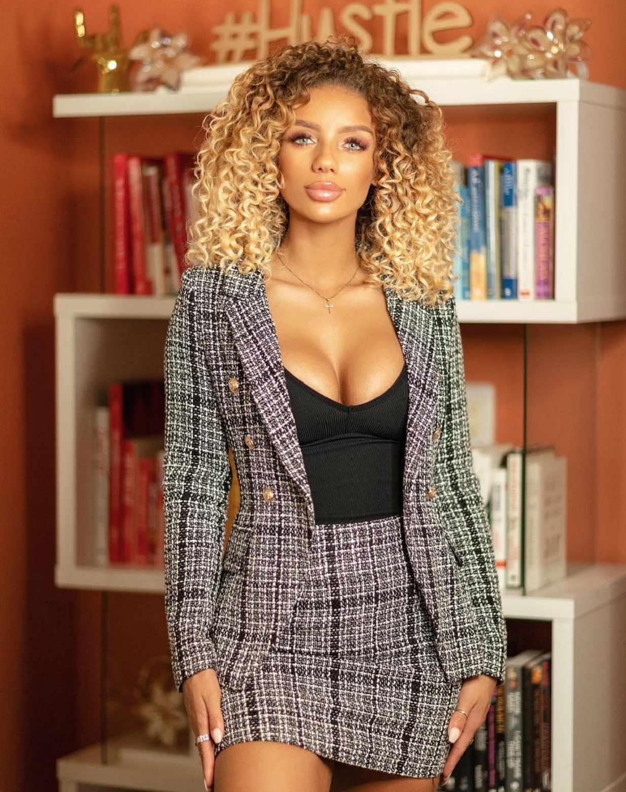 Celebrity Facts About Jena Frumes Relationships and How